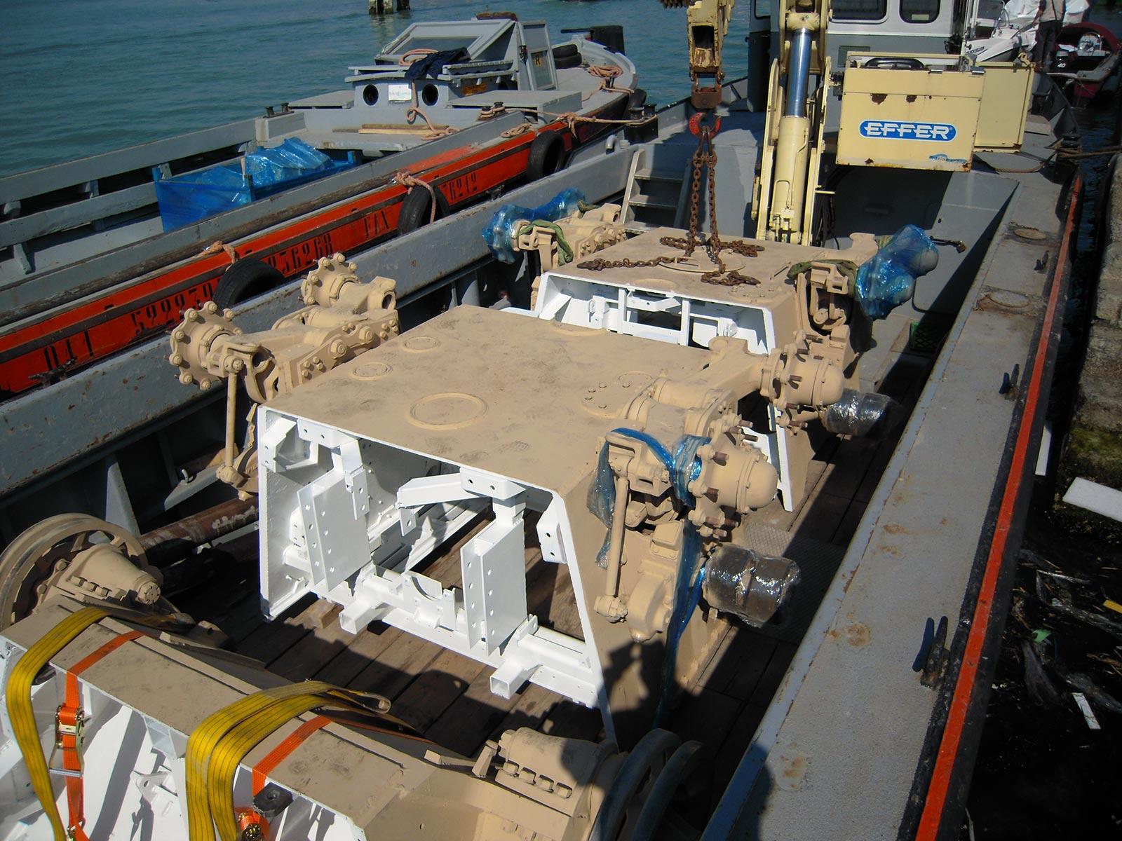 Carico motori navali Tronchetto
