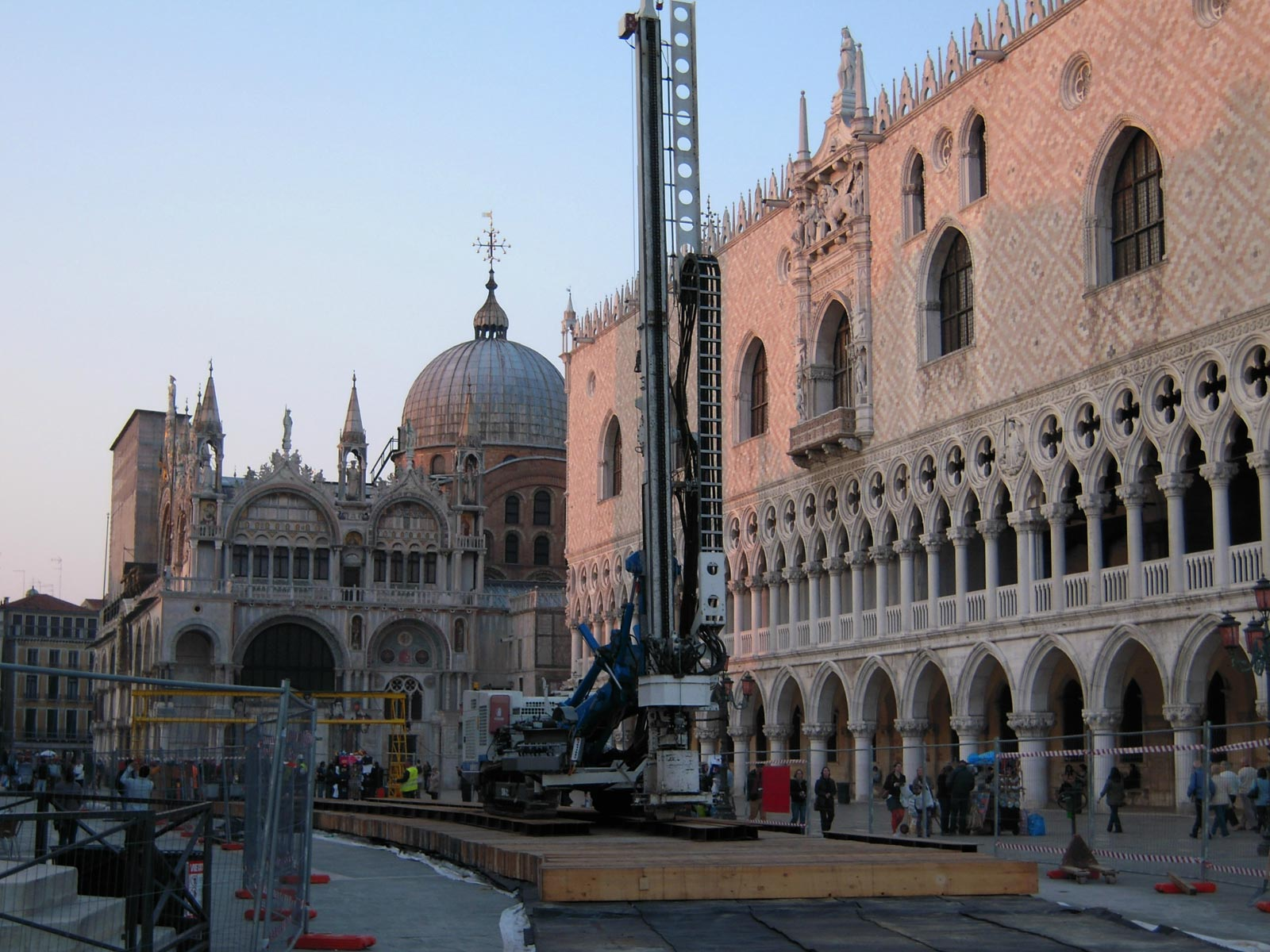 Special transport: an auger to St Mark's Square