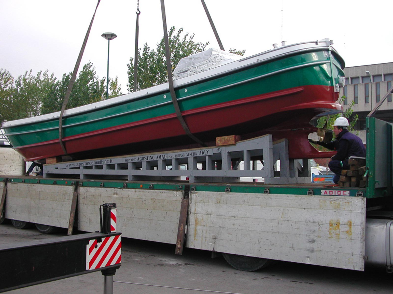 Unloading a craft in the Venice Tronchetto area