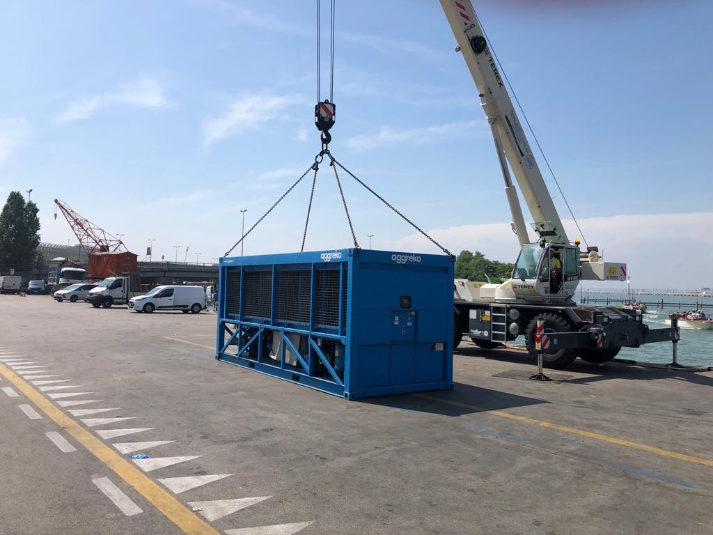 Trasporto macchinari Venezia (pressa)